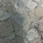ハートの石(園内に2つあります♪)