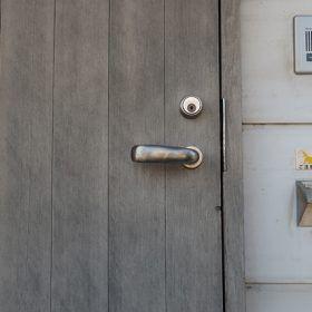 建具屋さんに造ってもらった我が家の玄関ドア