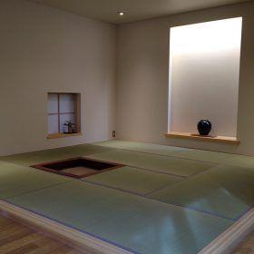 モダンな畳敷きの空間