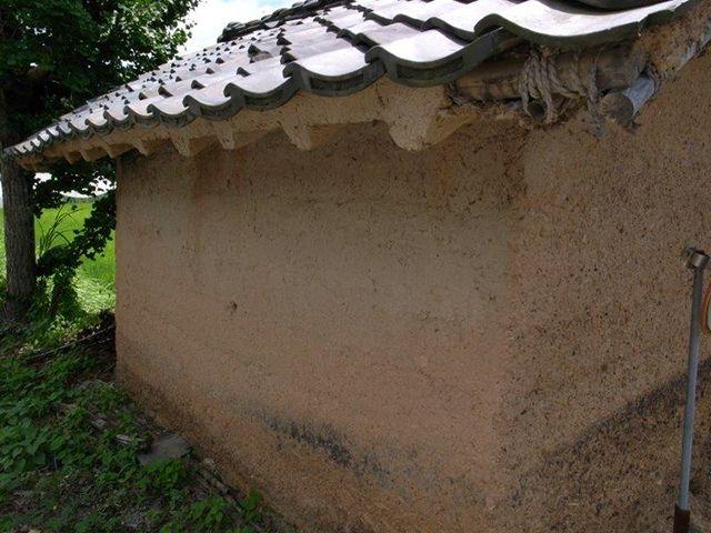 丹波篠山に点在する灰屋(はんや)