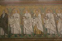 右側の聖人達。顔はもちろん手の表現などが見所