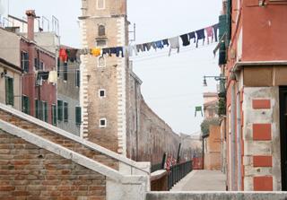 少し奥に入ると、ヴェネツィア本島内にもこんな風景か