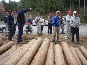 持続可能な森づくりの実現は、地域の山の将来を地域の人で決めていくことが基本となる