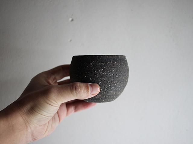 直径7センチほど。小さすぎると乾きやすく、大きすぎると管理が大変なのでこのくらいの大きさがちょうどいいです。