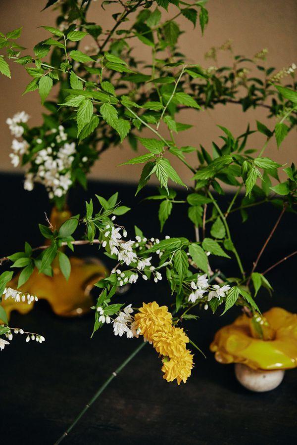 花材:菜の花、千鳥草、十二単、ミモザ、アネモネ、ラナンキュラス、スカビオサ