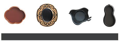左より素銅五郎三・光琳梅、銀古美・唐草玉子、赤銅千鳥、くすべ・瓢箪
