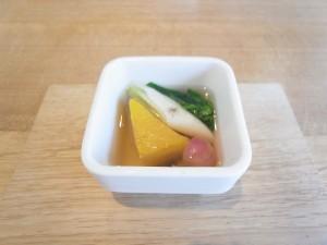 氷見産煮干しのダシと秋野菜のスープ