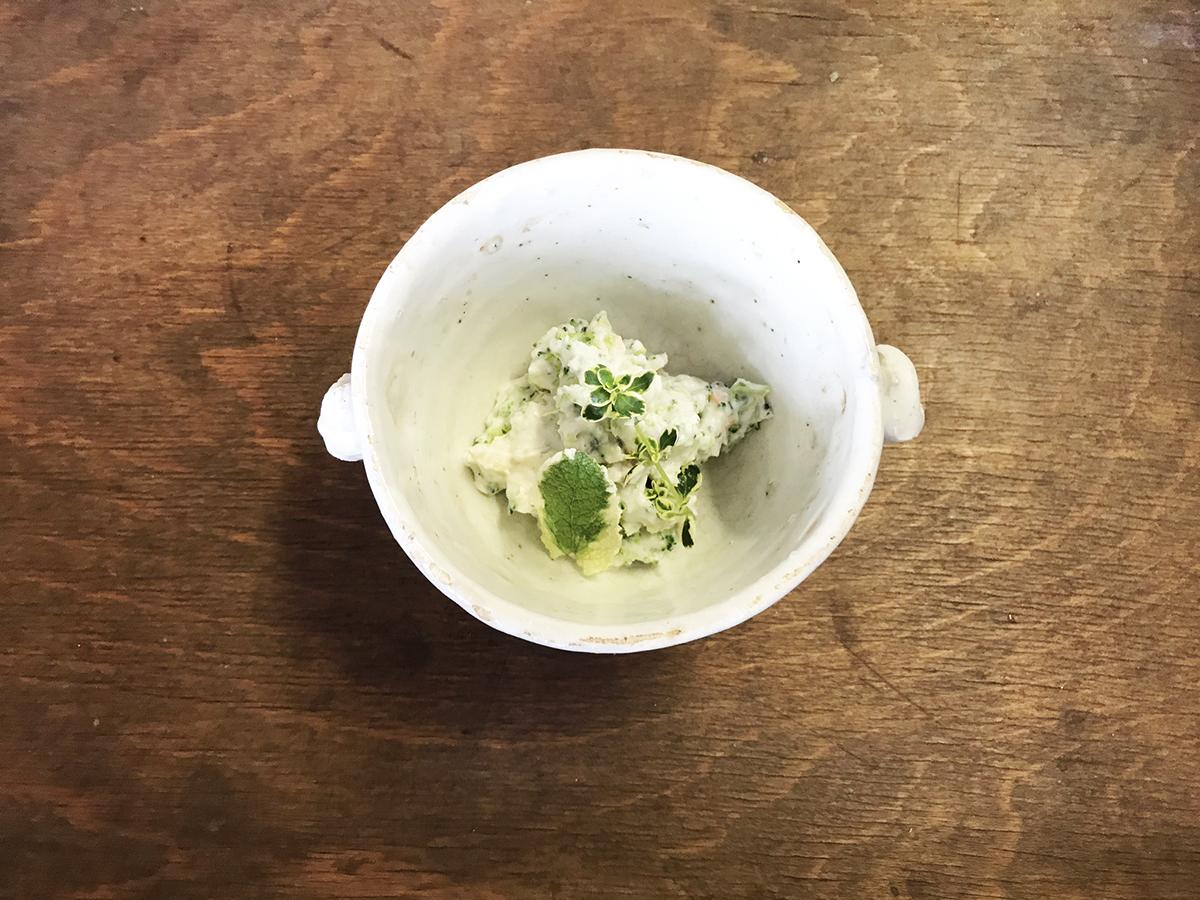 野菜とアーモンド粉のサラダ