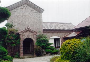 福島県喜多方の煉瓦蔵。座敷蔵の付いた最高級の煉瓦蔵