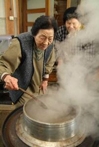 爽やかな茶の香りが広がる。