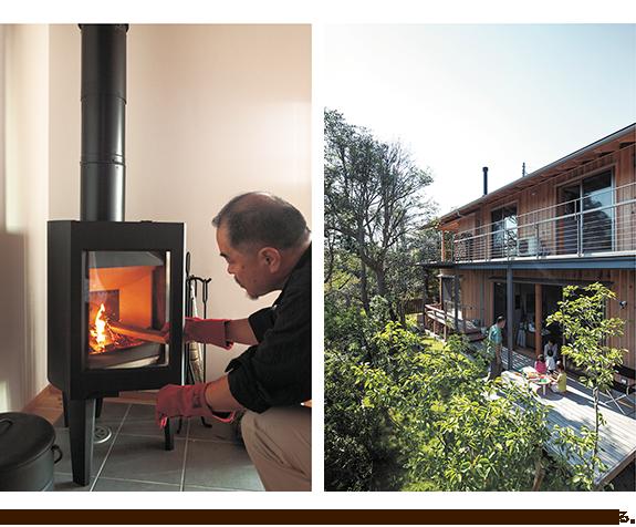 左/慣れた手つきで着火する智貴さん。 右/緑に囲まれた瀬川邸。屋根には薪ストーブの煙突が伸びる。