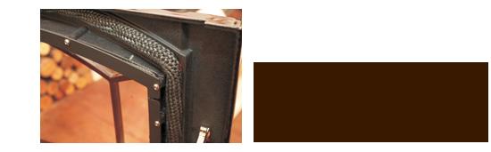 ストーブの使用とともに磨耗したガスケットは交換が必要。空気の調整ができにくくなったら交換時。簡単に着脱できるので、新しいものと交換する(耐火セメントで貼り付けてある機種は専門店に任せよう)。